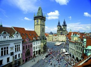 Prague_old_town_square_panorama